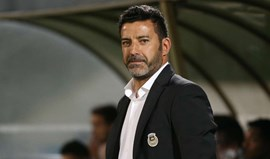 Nuno Capucho atira-se ao árbitro Nuno Almeida