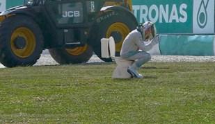Lewis Hamilton vê a sua desgraça na Malásia ser 'memificada'