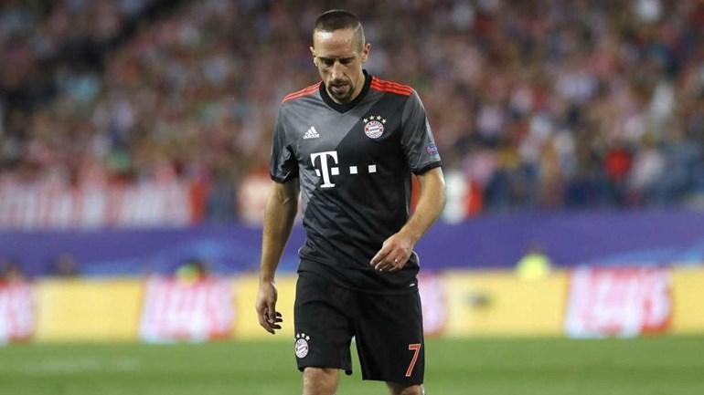 Ribéry pára entre duas a três semanas