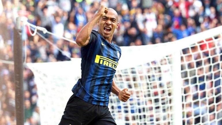 Italianos dizem que João Mário é o único que se salva no meio-campo do Inter