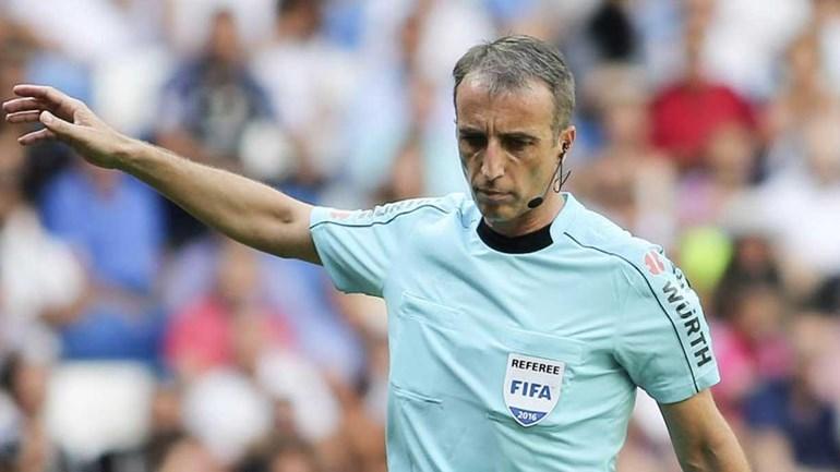 David Fernández Borbalán é o árbitro do Dínamo Kiev-Benfica