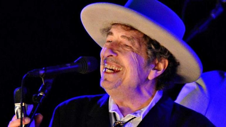 Academia Sueca desiste de tentar contactar Bob Dylan