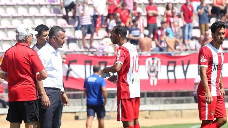 Olhanense-D. Aves, 1-2: Nona derrota consecutiva dos algarvios