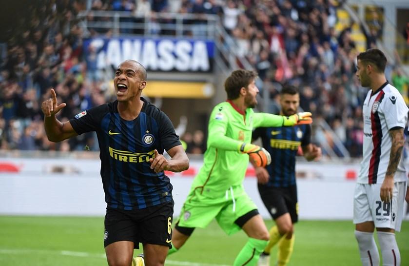 João Mário já festeja golos pelo Inter