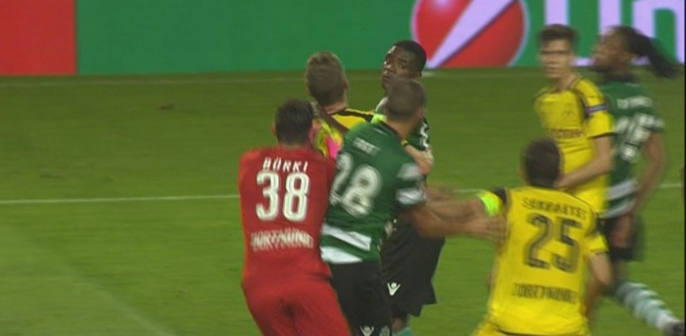 Veja o lance do golo anulado ao Sporting