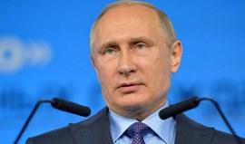 Parlamento russo aprova lei que criminaliza coação de atletas para doping