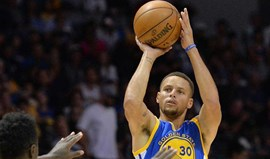 Stephen Curry bate recorde de triplos num só jogo