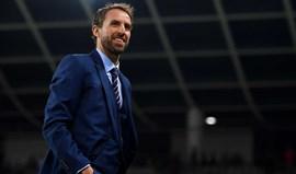 Ao cuidado de Mourinho: Selecionador inglês acredita que Smalling e Shaw estão mesmo lesionados