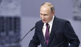 Vladimir Putin critica exibições da seleção russa