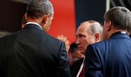 Obama e Putin juntos por breves momentos
