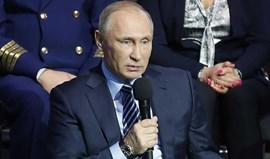 Putin promulga lei que criminaliza coação de atletas para uso de doping
