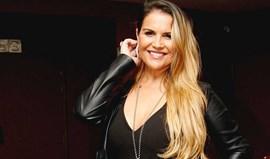Kátia Aveiro namora na Grécia