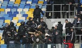Dez adeptos turcos hospitalizados devido aos confrontos em Kiev