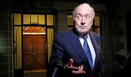 Blatter diz-se desrespeitado por Infantino