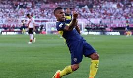 Argentina: Boca Juniors vence em casa do River com bis de Tévez