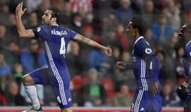 Chelsea foge no topo da tabela