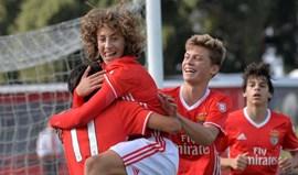 Benfica apanha susto mas supera Sacavenense