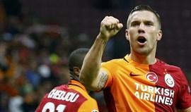 Galatasaray diz ter recebido oferta importante por Podolski