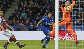 Slimani garante triunfo do Leicester