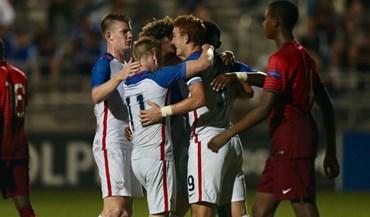 Estados Unidos humilham Portugal no arranque do Torneio Internacional Nike