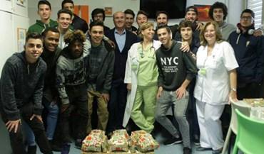 Juniores do Tojal alegraram crianças hospitalizadas