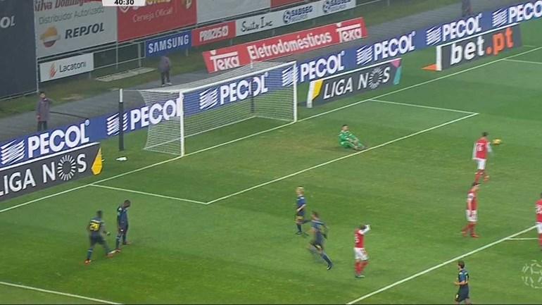 Dramé marcou e festejou... à Ronaldo