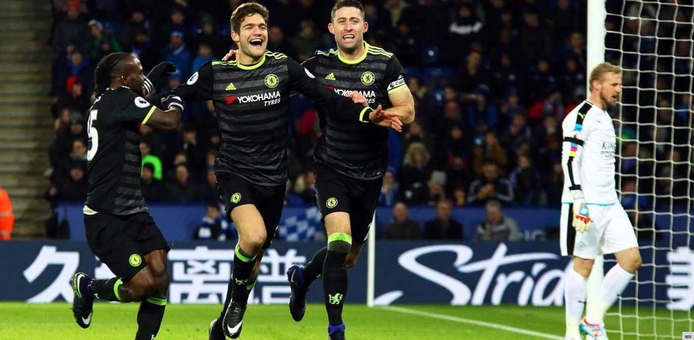 Chelsea domina em casa do campeão e volta aos triunfos