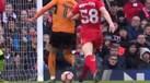 Hélder Costa num 'sprint' de área-a-área que deixou Liverpool em pânico