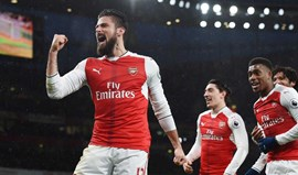 Arsenal vence Crystal Palace e sobe ao pódio