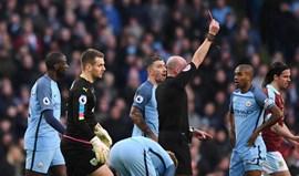 City reduzido a dez vence Burnley pela diferença mínima (2-1)