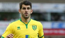 Nélson Oliveira assina 'hat-trick' pelo Norwich
