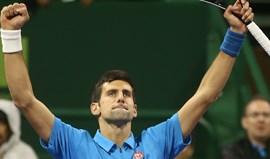 Djokovic salva cinco match points e avança para a final em Doha