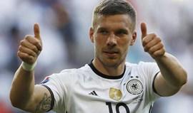 Mais um: Podolski a caminho da China