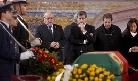 Bruno de Carvalho nos Jerónimos para homenagear Mário Soares