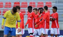 Benfica vence Estoril (3-0)