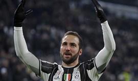 Higuaín aconselharia Messi a jogar na Juventus