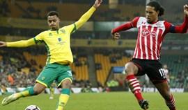 Swansea apresenta dois reforços: Tom Carroll e Martin Olsson