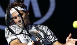 Federer afasta 'qualifier' e encontra Berdych na terceira ronda