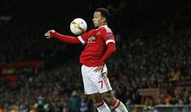 Lyon levou terceira nega do United por Depay... mas vai voltar à carga