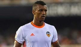 Nani abandona treino do Valencia devido a problemas físicos