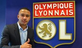 Lyon anuncia contratação de Depay