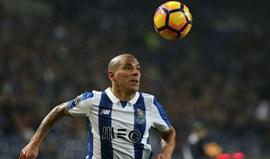 Maxi Pereira falha embate com o Rio Ave