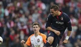 Stojiljkovic avança no ataque ao dérbi