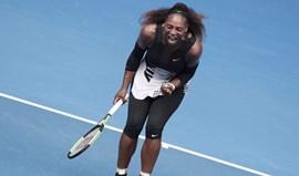 Serena Williams passa aos quartos de final