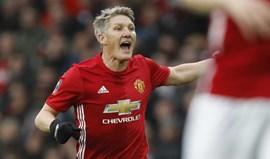 Manchester United terá 'oferecido' Schweinsteiger ao Fenerbahçe