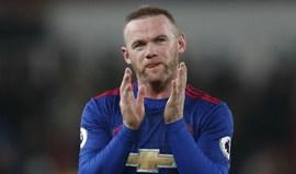 Ferguson não vê ninguém capaz de bater Rooney