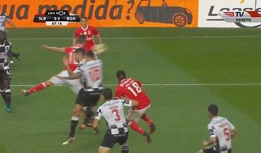 Fábio Espinho marcou um auto-golo 'à matador'