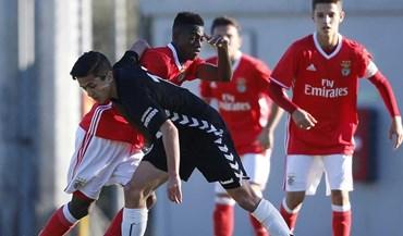 Golos na segunda parte valem triunfo ao Benfica