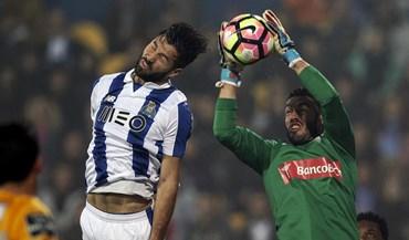 As melhores imagens do Estoril-FC Porto