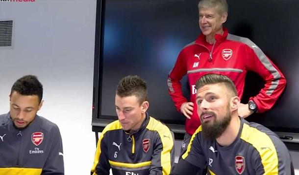 Giroud, Koscielny e Coquelin renovam com o Arsenal